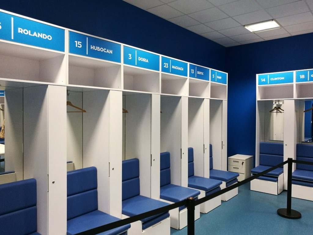 Orange Vélodrome locker rooms