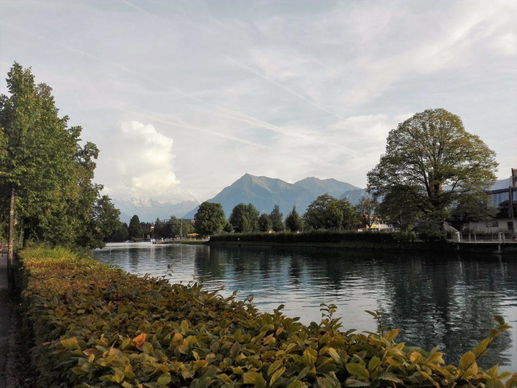 """""""Švýcarská pyramida"""" - hora Niesen"""